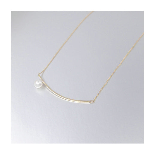 Aqua Luster Series - Curved Line Pearl Necklace - AHED Project