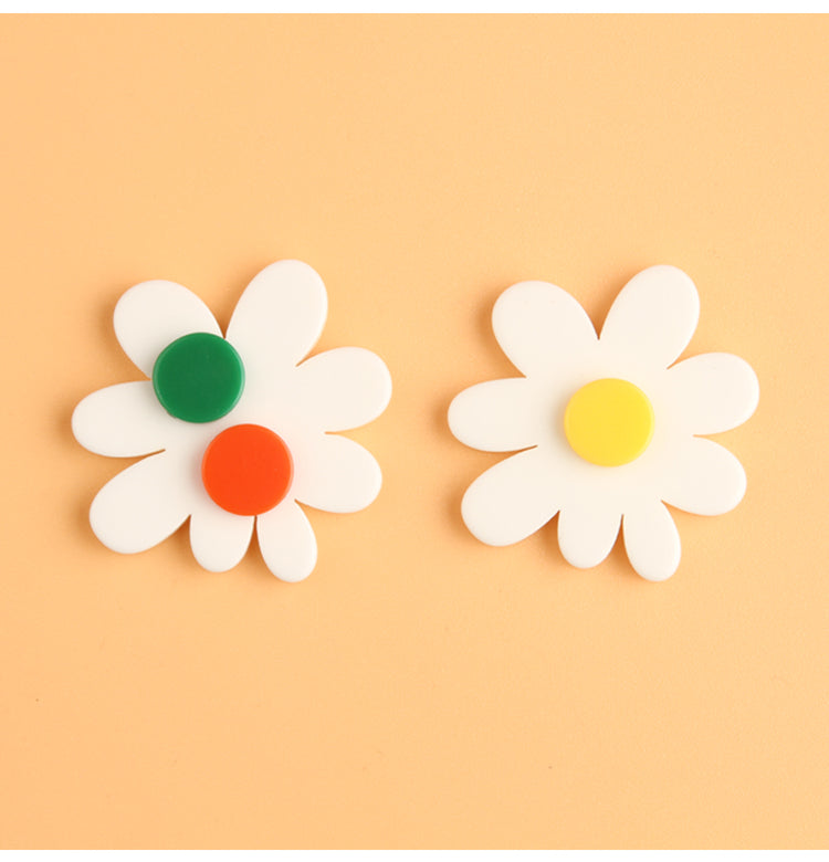 Asymmetrical Cloud Flowers Stud Earrings
