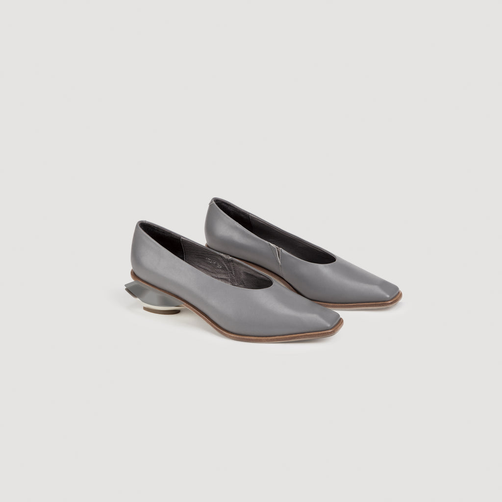 Curved Chunky Heel Loafers in 2 Shades