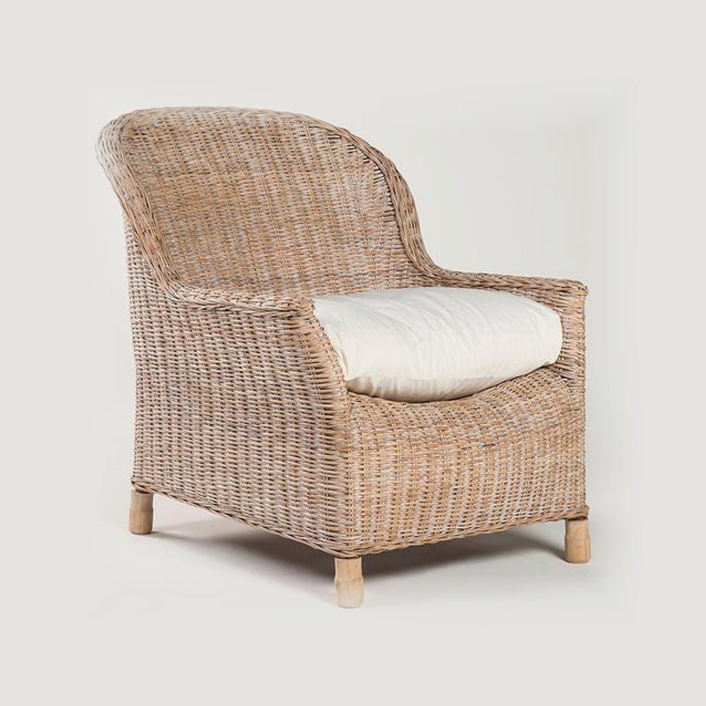 Rattan Gable Lounge Chair / Whitewash