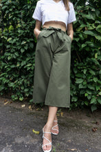Load image into Gallery viewer, Kathy Culottes Pants in Green