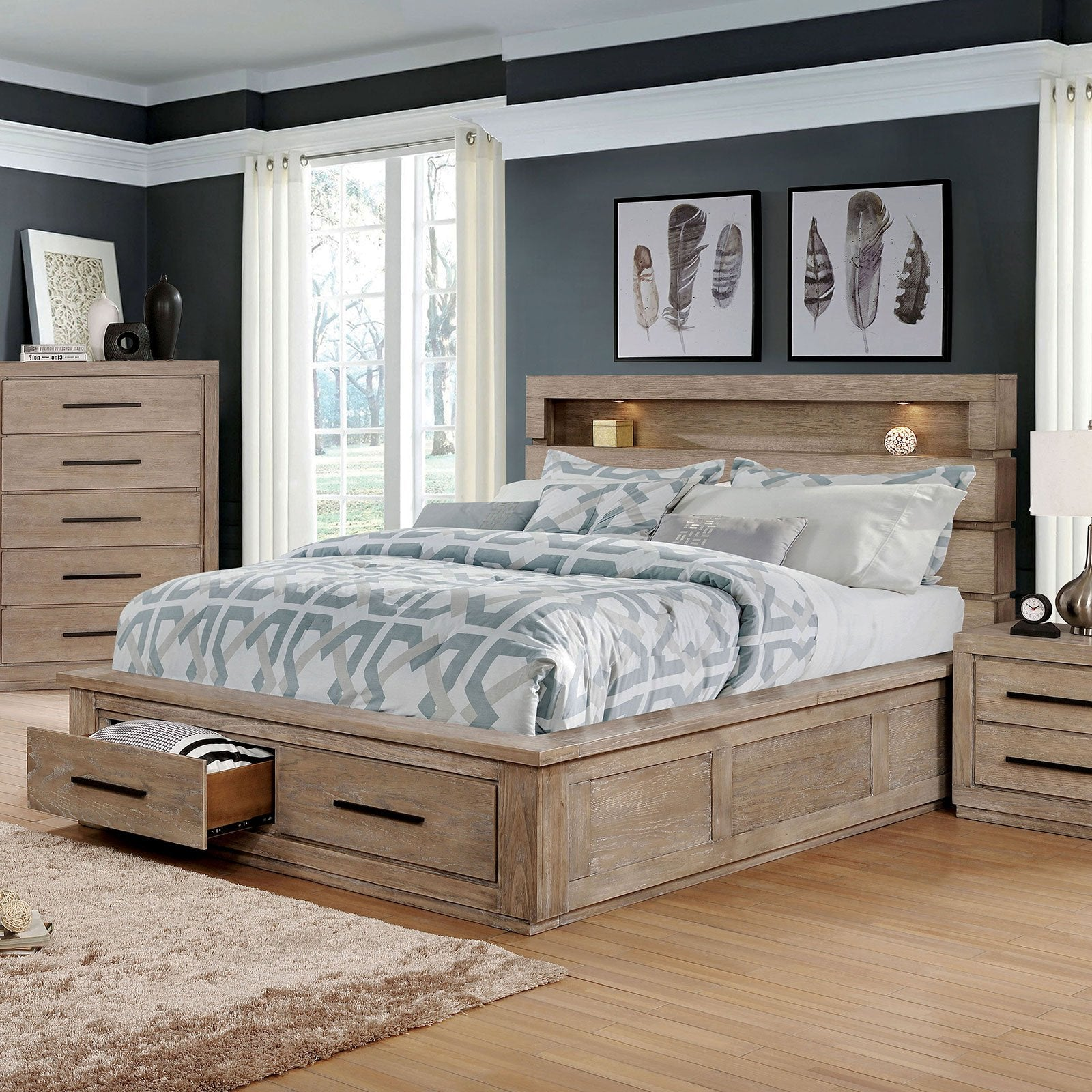 Oakburn Transitional E.King Bed - InteriorDesignsToGo.com
