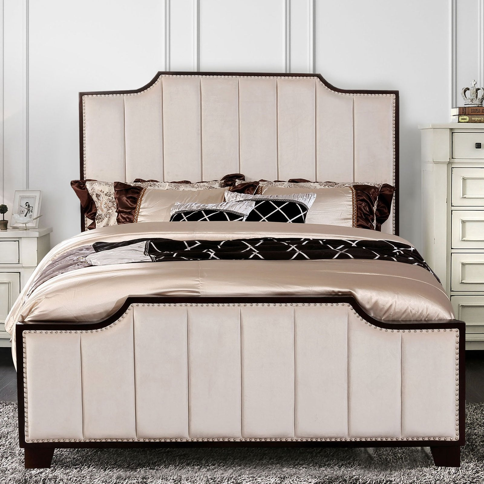 Espin Cal.King Bed - InteriorDesignsToGo.com