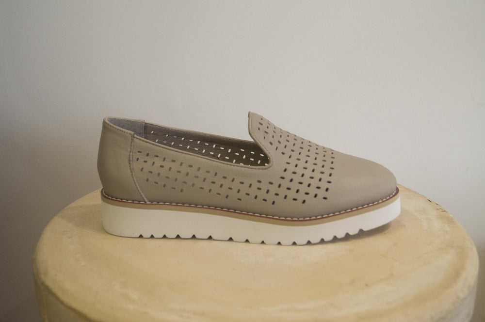 Monica Shoe - Light Grey
