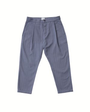 The Cotton Weekend Trouser in Folkstone Grey