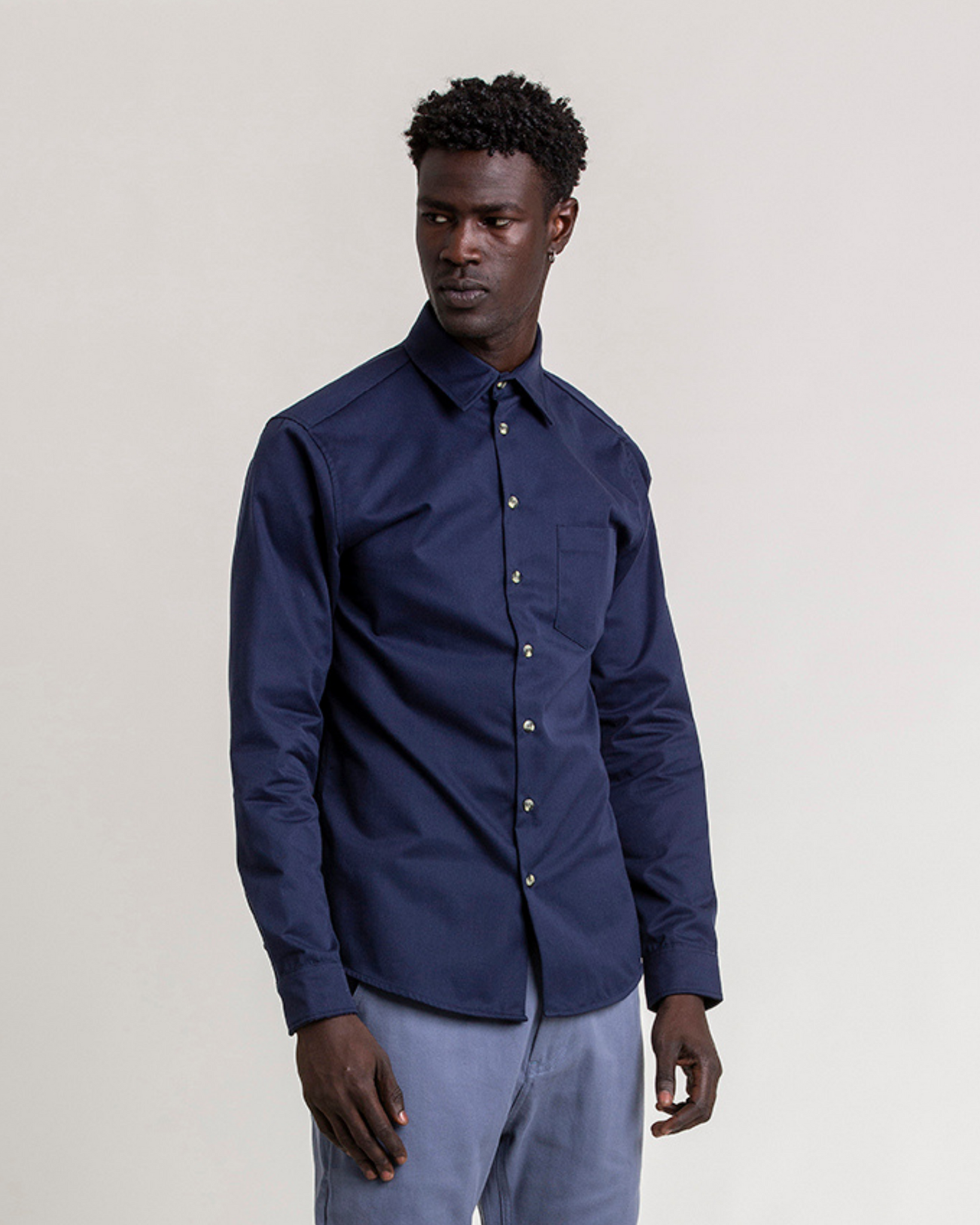The 1 Pocket Cotton Shirt in Black Iris (Navy)