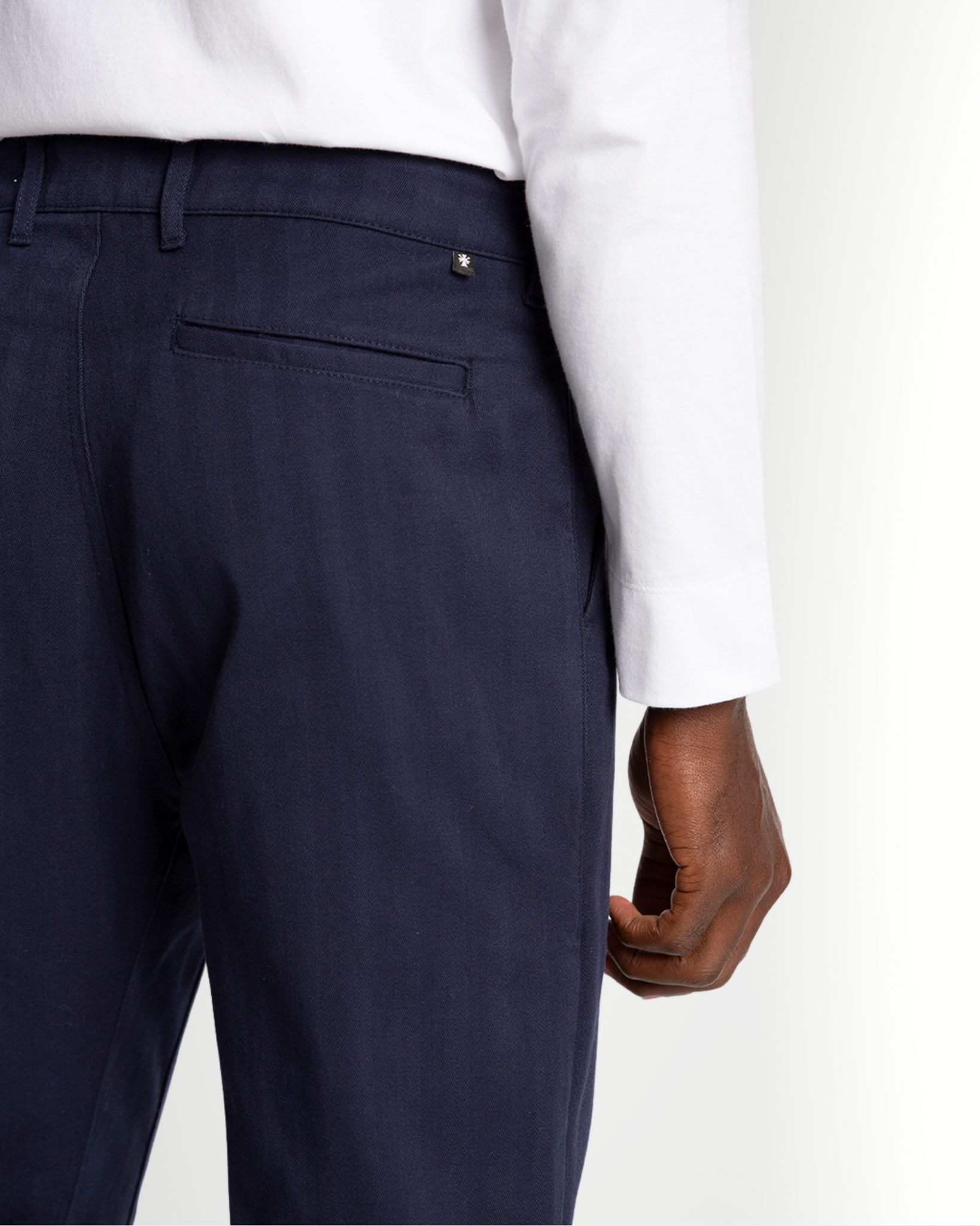 The Cotton Herringbone Straight Leg Trouser in Black Iris (Navy)