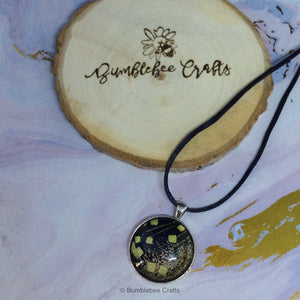 Black/Gold Japanese Pendant - Bumblebee Crafts