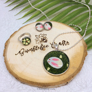 Japanese ring - Green flower - Bumblebee Crafts