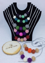 Load image into Gallery viewer, Wool Felt Bead Necklace - Christmas colours - Bumblebee Crafts