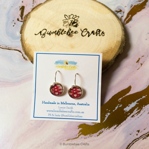 Christmas Design Glass Bead Earrings - Bumblebee Crafts