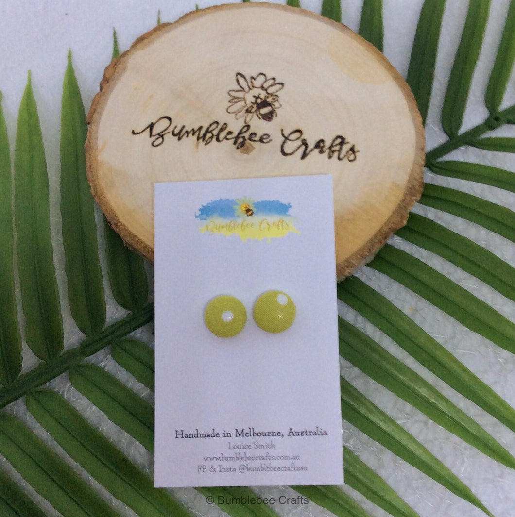 Round Fabric Covered Button Earrings - Green polka dot - Bumblebee Crafts