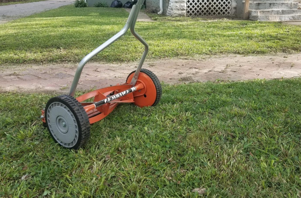 "American 14"" Reel Mower 1304-14 Unboxing and Review"
