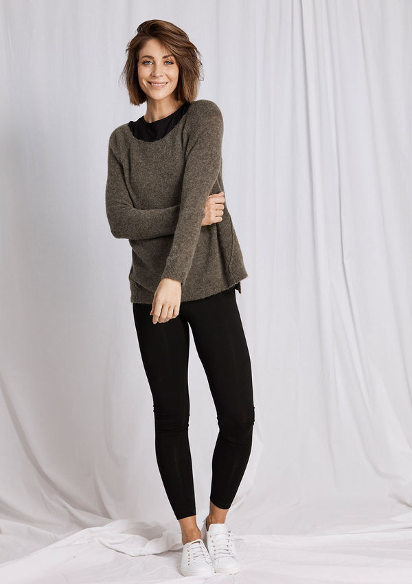 Khlassik Boatneck Sweater