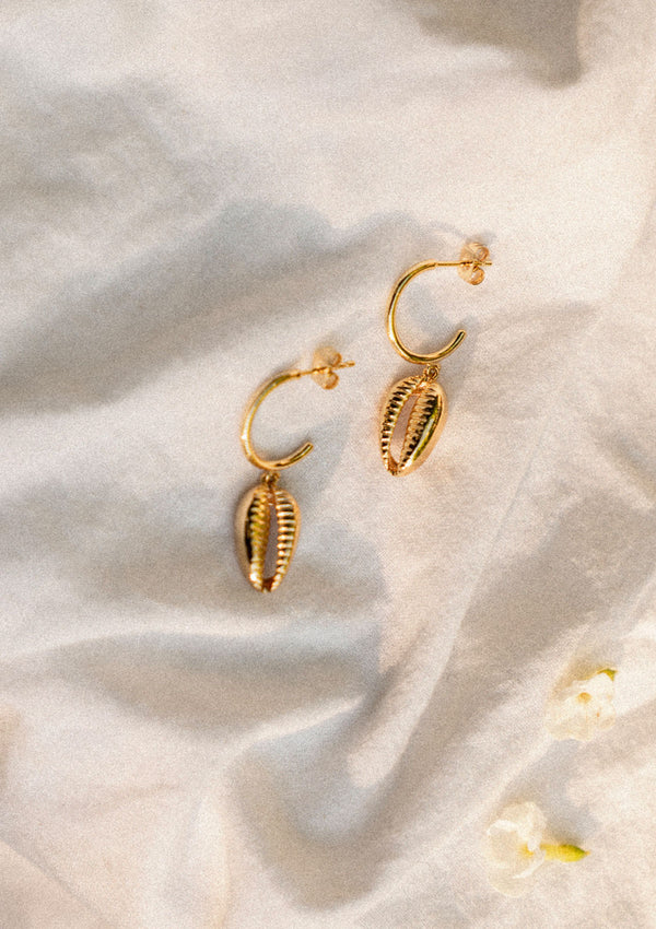 Carly Paiker Athena Cowrie Hoops