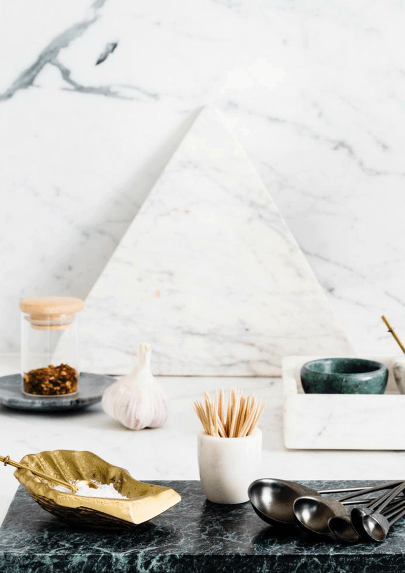 Marble Basics Oyster Spice Vessel