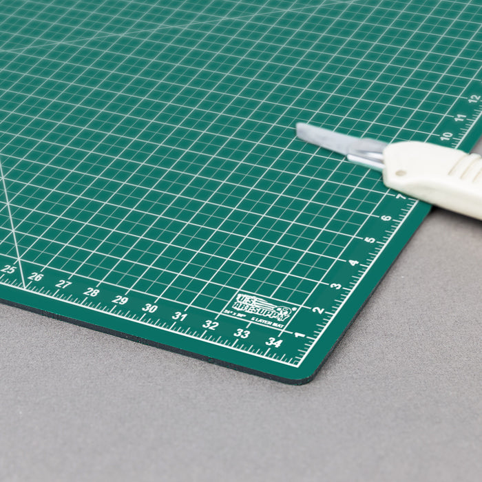 "24"" x 36"" Green/Black Professional Self Healing 5-Ply Double Sided Durable Non-Slip PVC Cutting Mat Great for Scrapbooking, Quilting, Sewing and All Arts & Crafts Projects"