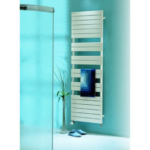 Zehnder Regate 741mm x 500mm Towel Radiator.