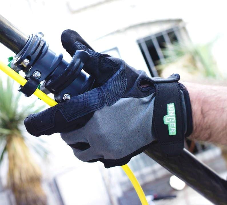 Unger HiFlo™ POLE Gloves - Window Cleaning Warehouse Ltd