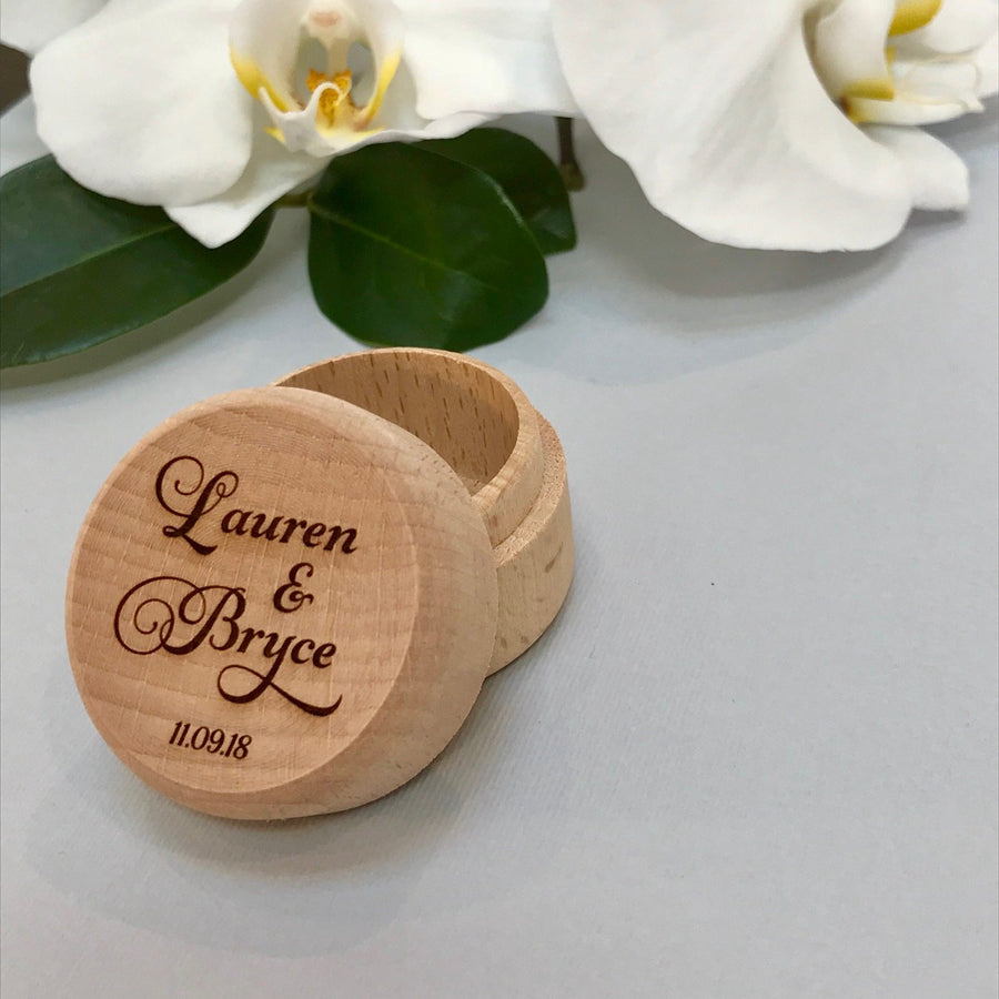 Personalised wooden wedding ring box - Couple's names - Script font