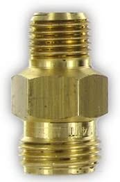 "CP1322, 1/4"" MPT X 11/16"" NOZZLE THREAD ADAPTER"