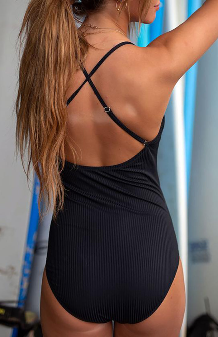 ALLBLACK GROOVE RUFFLE ONE-PIECE GOWN SUIT