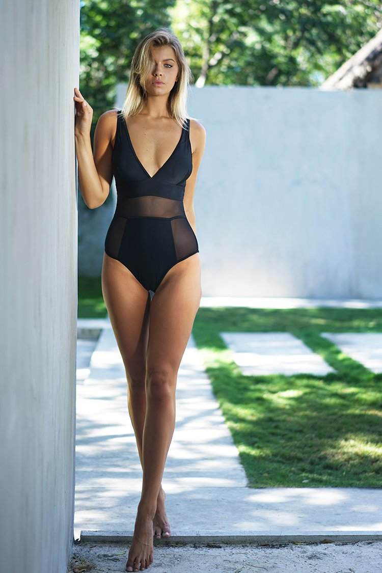 Sexy Lady Mesh One-piece Swimsuit