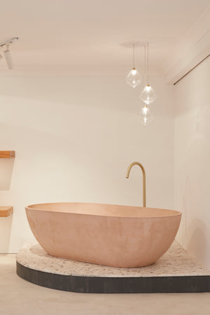 Valencia bath dusty pink showroom
