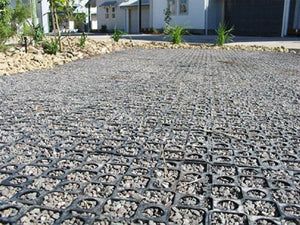up close image of the gravel settled into the drainage cell