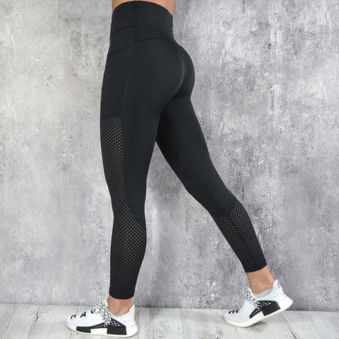 black yoga leggings with pockets