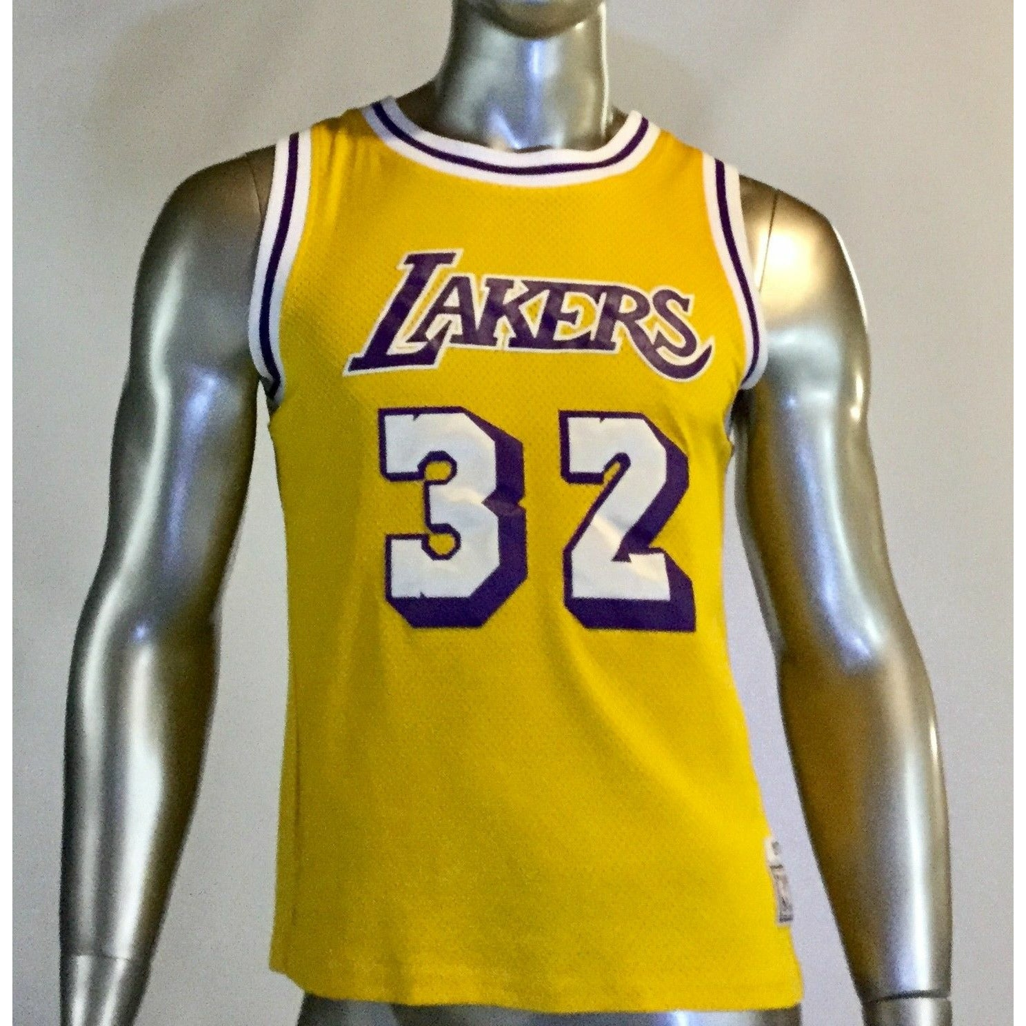 NBA Hardwood Classics VINTAGE Lakers #32 MAGIC JOHNSON JERSEY 1979-80 Size L