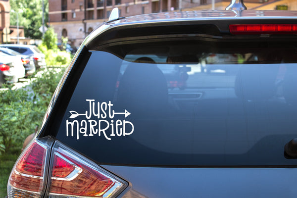 Just Married, 5 inch, vinyl decal