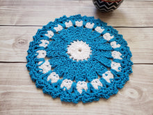 Load image into Gallery viewer, Blue Cotton Crocheted Dishcloth Set - Flower Design Dish Cloth - Round Kitchen Wash Cloths