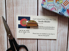 Load image into Gallery viewer, Cute Needle Minders - Cross-Stitch Needle Holder - Magnetic Needle Nanny - Hamburger Taco Cookie