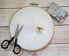 Load image into Gallery viewer, Cute Fox Needle Minder - Cross-Stitch Needle Holder - Magnetic Needle Nanny