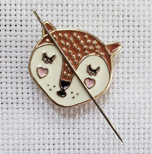 Cute Fox Needle Minder - Cross-Stitch Needle Holder - Magnetic Needle Nanny