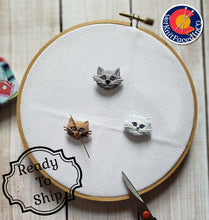 Load image into Gallery viewer, Cute Cat Needle Minder - Cross-Stitch Needle Holder - Magnetic Needle Nanny