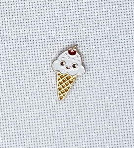 Kawaii Ice Cream Cone Needle Minder - Cross-Stitch Needle Holder - Magnetic Needle Nanny
