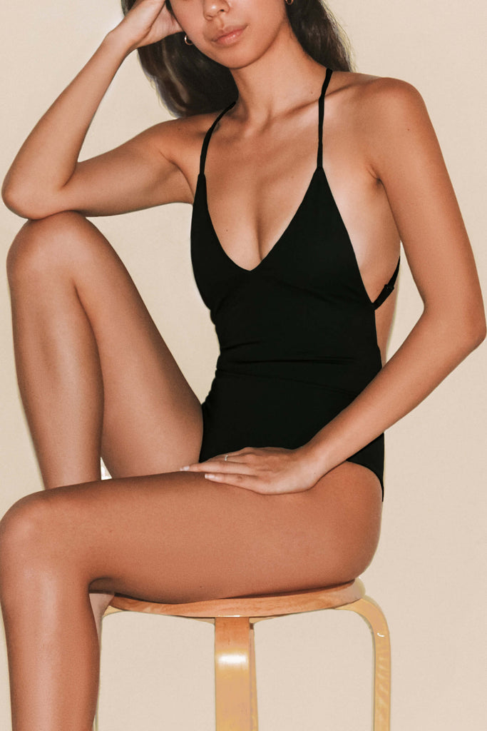 ANNA ONE PIECE / Black