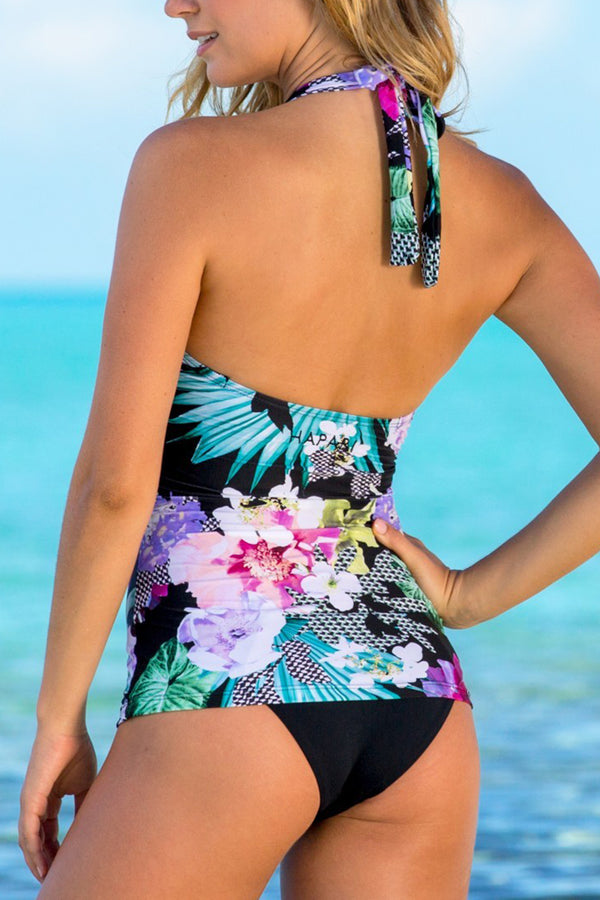 Flattering Scoop Neckline And Black Bottom Printed Tankini Set