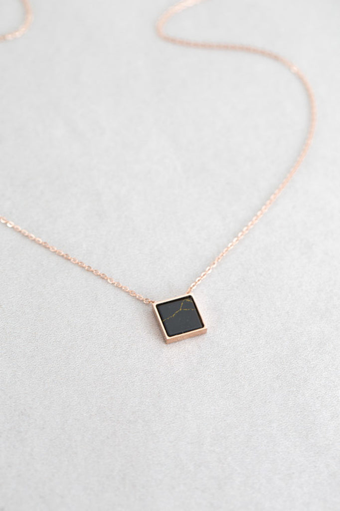 Lovoda Black Sqaure Rose Gold Necklace