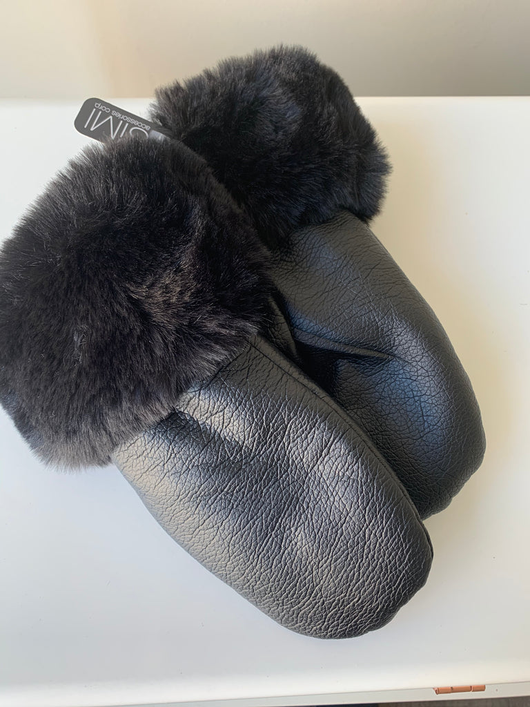 Ladies faux leather mitts with fur