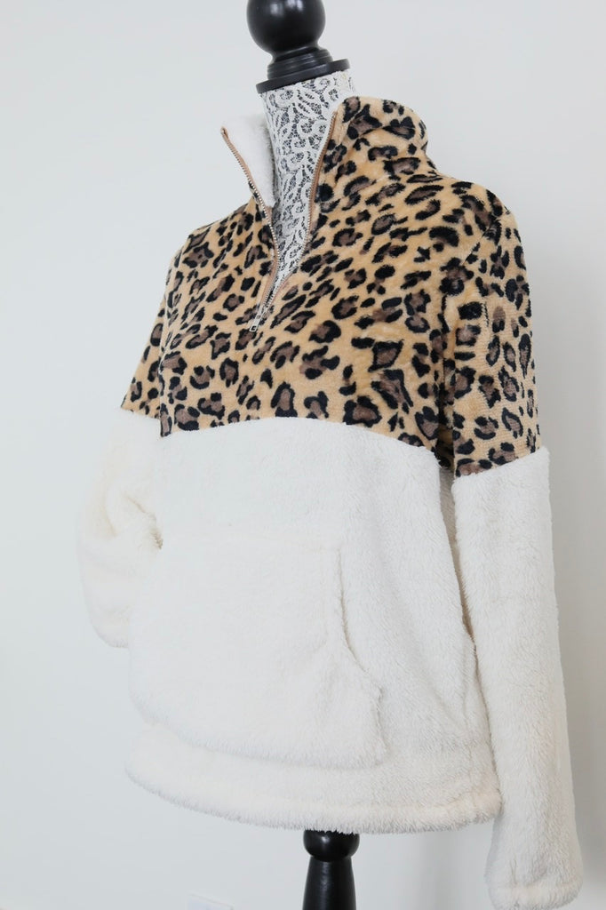 STAY HOME half-zip fleece - White leopard