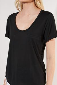 Mary black simple tee
