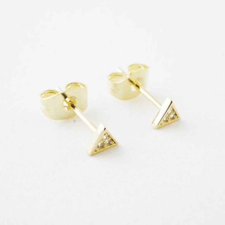 Honeycat mini crystal triangle stud - gold