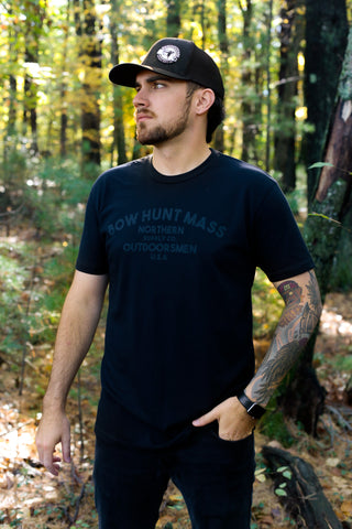 BowHuntMass Gray on Black Arch Print T-shirt