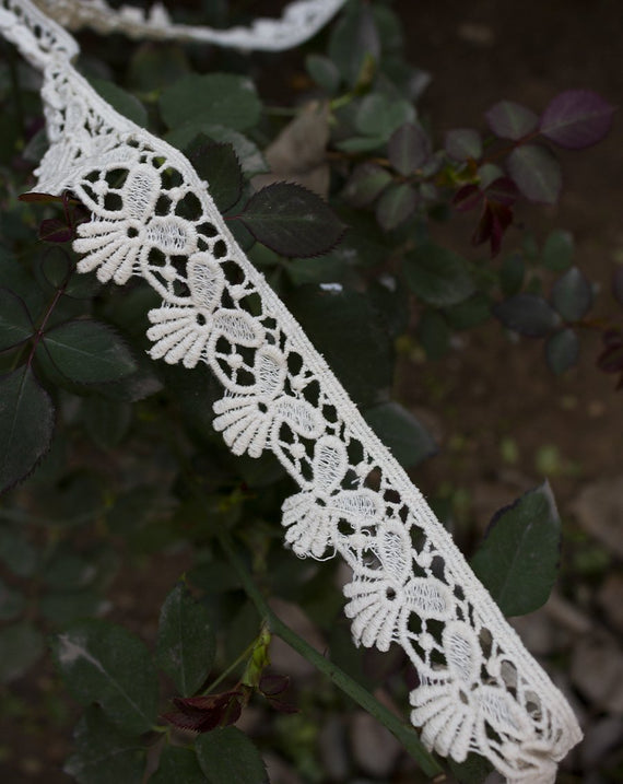 Dyeable cotton flower petals lace