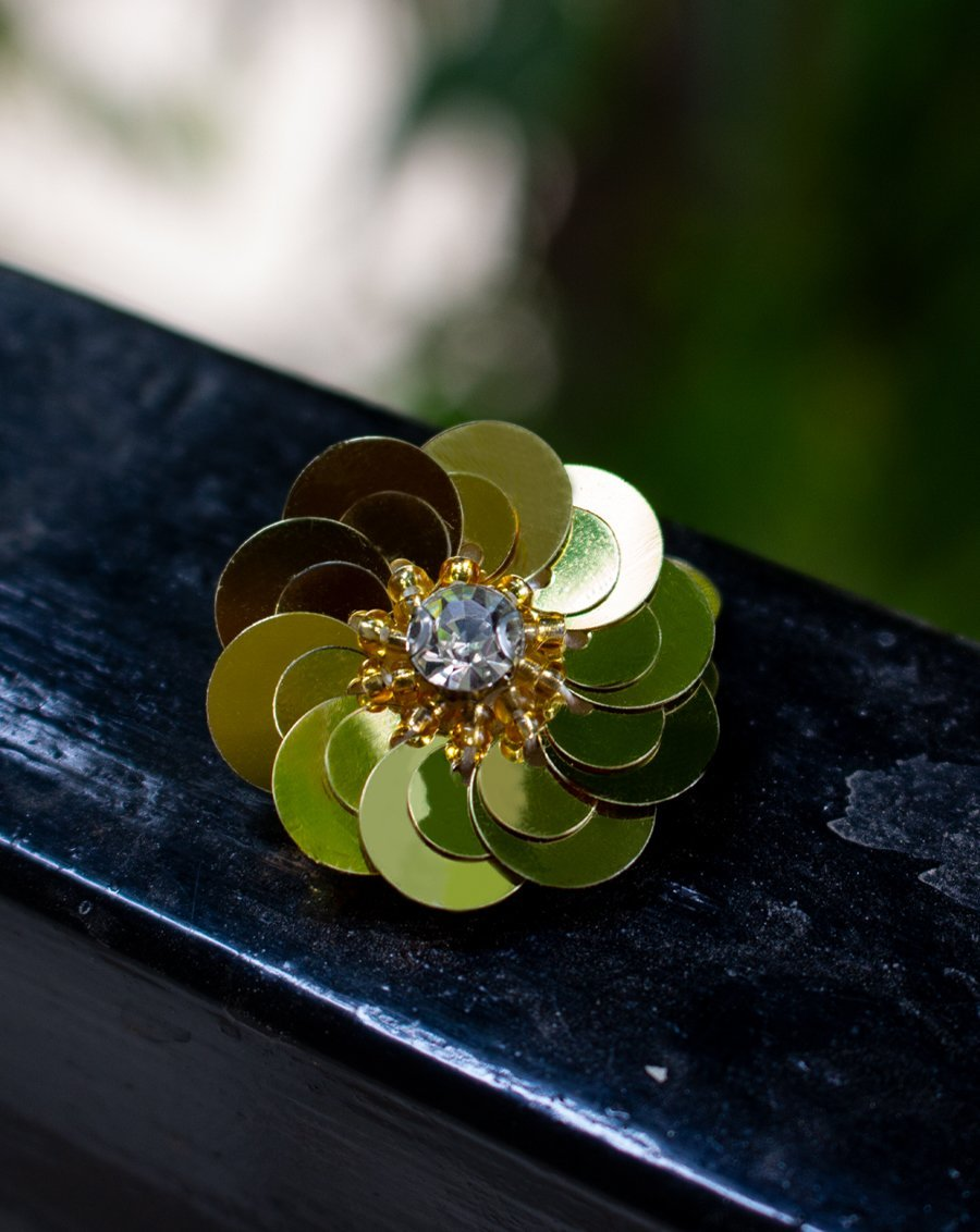 3D flower patch in shining sequin with centre in bugle bead and Rhinestone - BRIGHT GOLDEN