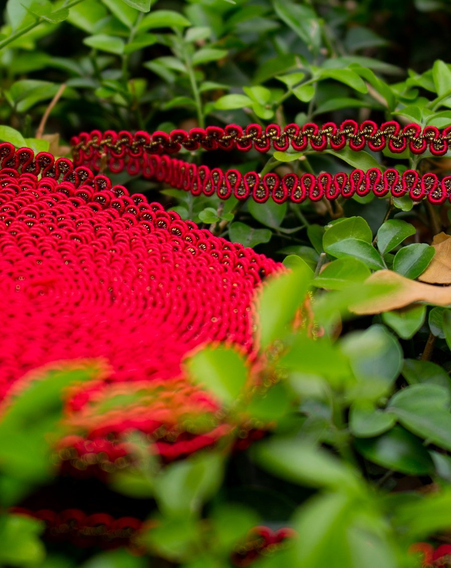 Thin twisted lace border-RED