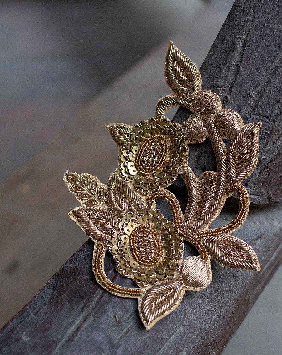 Handmade embroidery zardosi round flower designer patch